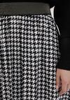 Biało-Czarna Spódnica Tigerleaf