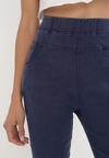 Granatowe Spodnie Rhenemisia