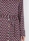 Różowo-Miętowa Sukienka Bathiphaeia