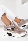 Złote Sneakersy Phrixisha