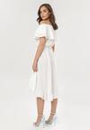 Biała Sukienka Pheromeia