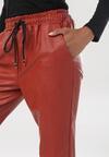 Czerwone Spodnie Rhelieth