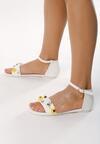 Białe Sandały Contribution
