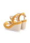 Żółte Sandały Disingenuous