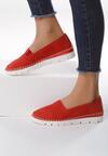 Czerwone Slip On Each Other