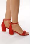 Czerwone Sandały Snickering