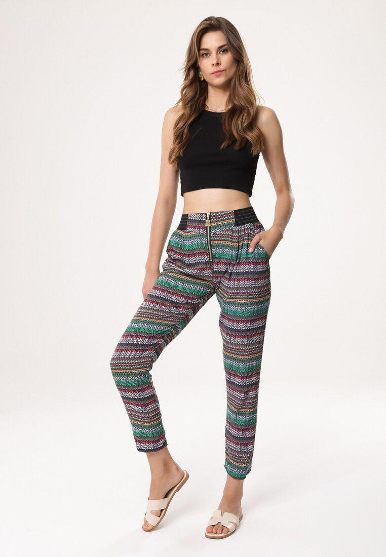 Podpowiadamy, jak zbudować najlepsze stylizacje ze spodniami