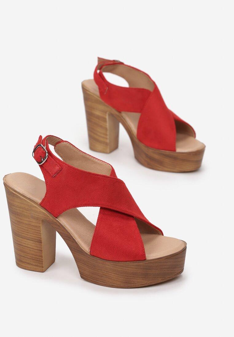 Czerwone Sandały Hainaera