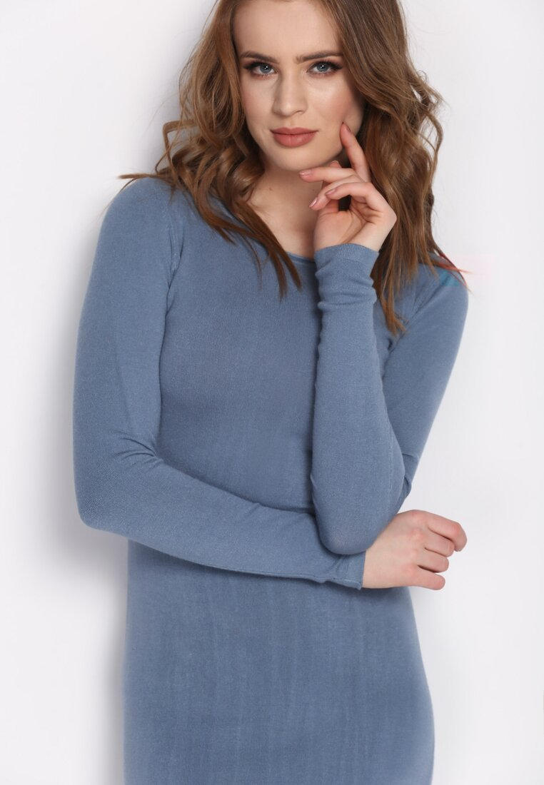 Niebieska Sukienka Rationality