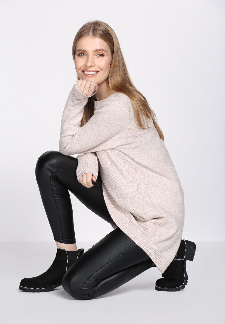 Jasnobeżowy Sweter Saturation