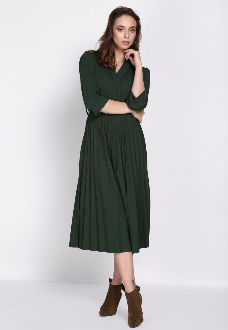 Zielona Sukienka Conformation