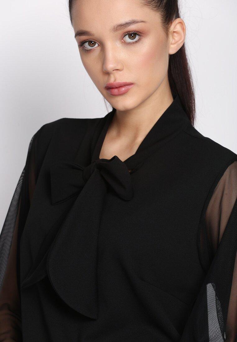 Czarna Sukienka Leaning