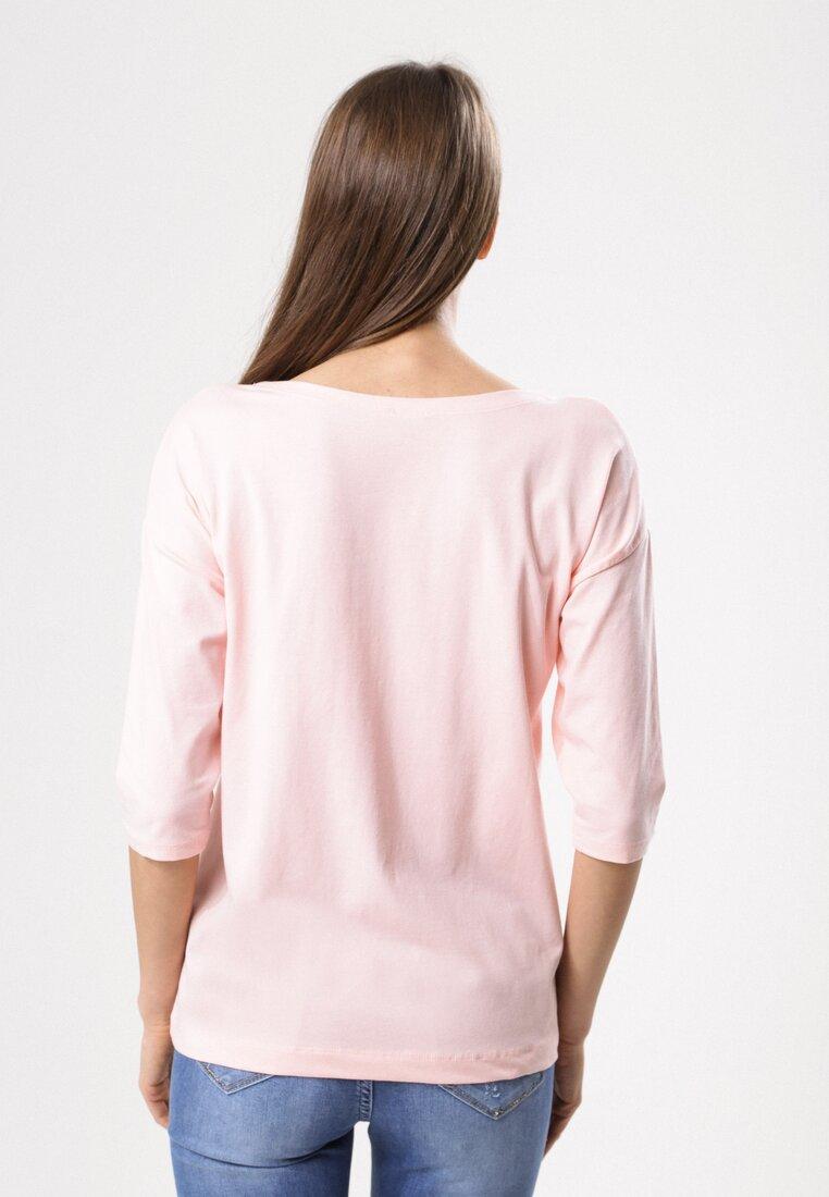 Różowa Bluzka Bordering On