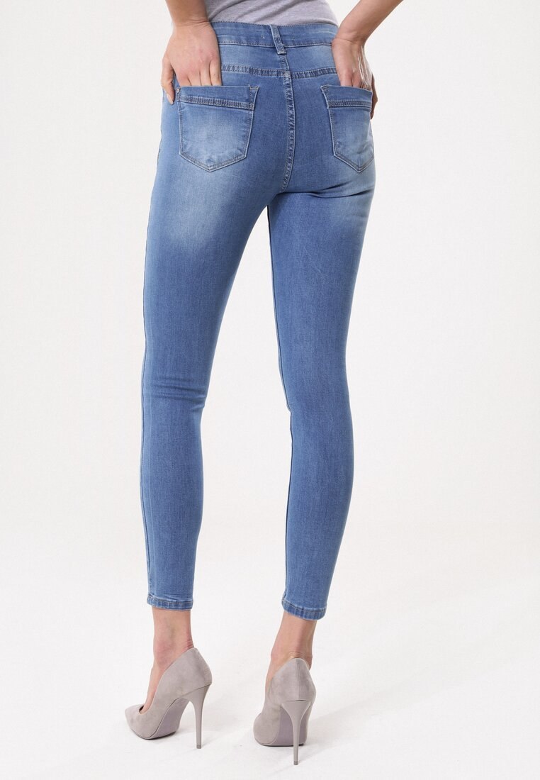 Niebieskie Jeansy Undeniable
