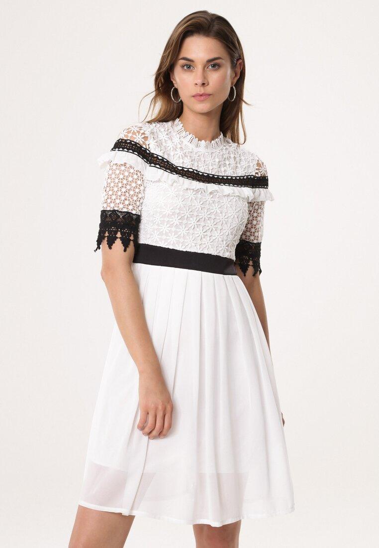 Biała Sukienka Overcompensate