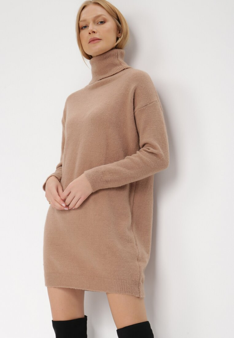 Ciemnobeżowa Sukienka Classificator