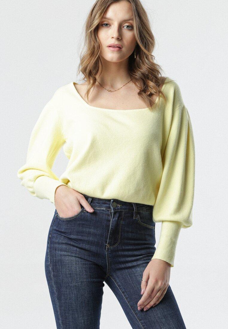 Żółty Sweter Lees