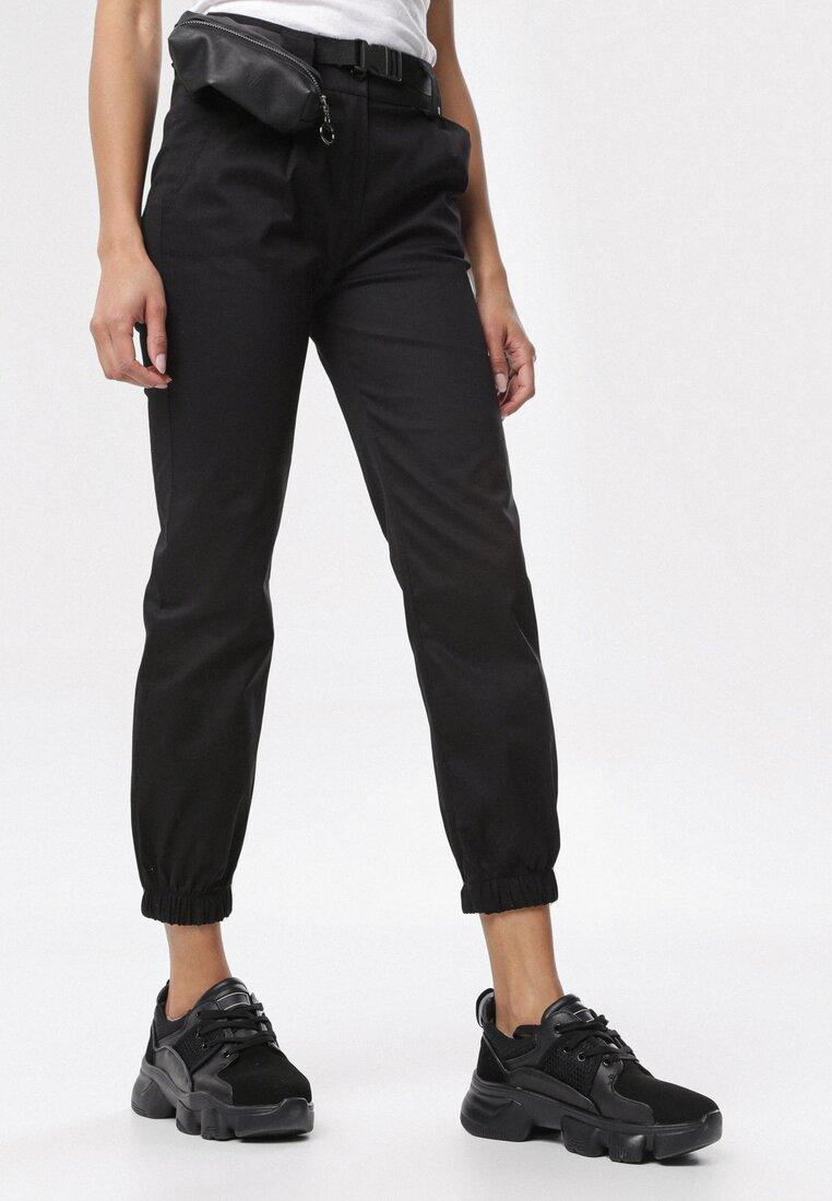 Czarne Spodnie Joggery Nadaleh
