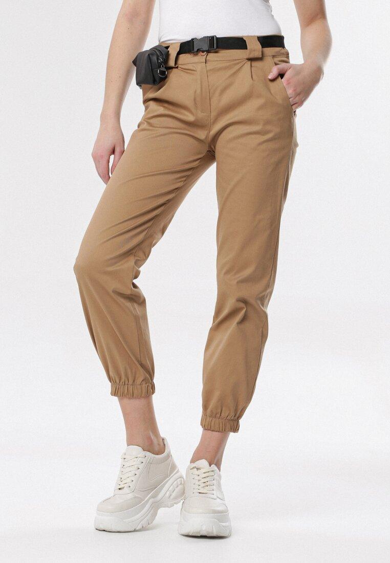Beżowe Spodnie Joggery Nadaleh