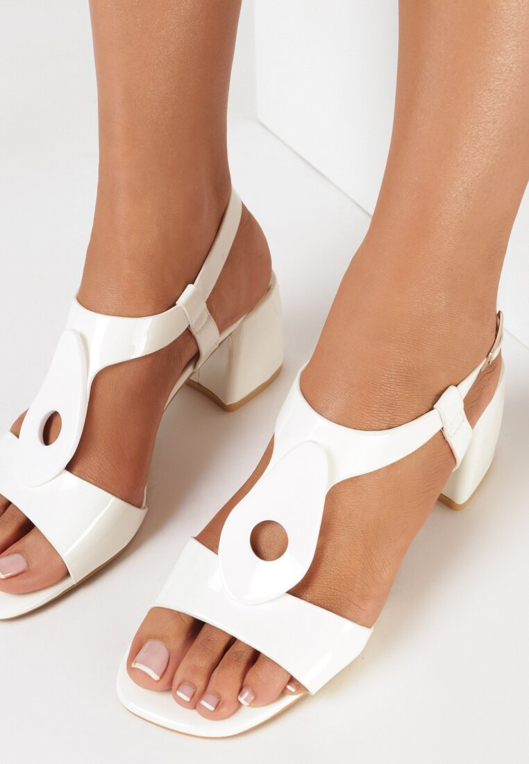 Białe Sandały Daphthyia