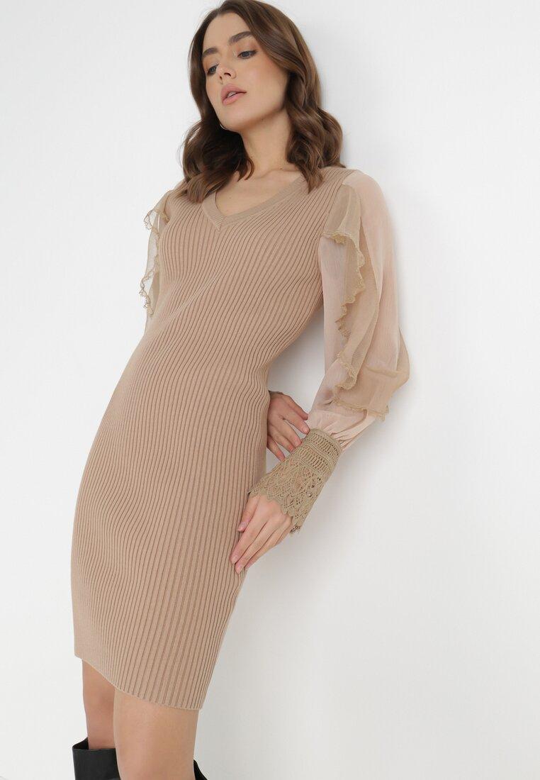 Beżowa Sukienka Irinlea