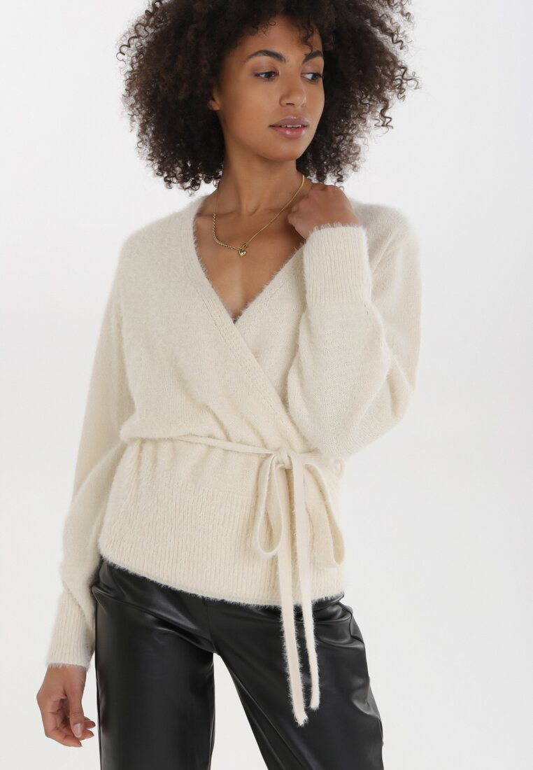 Kremowy Sweter Laraissa