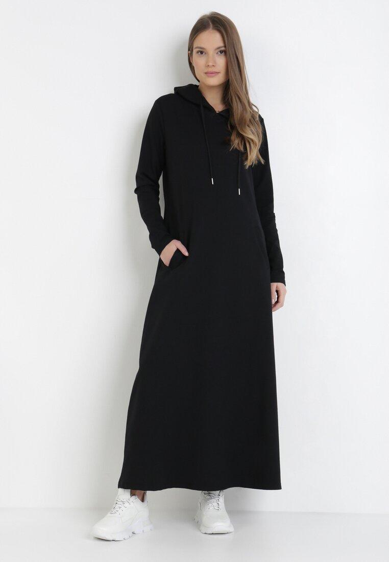 Czarna Sukienka Dorearian