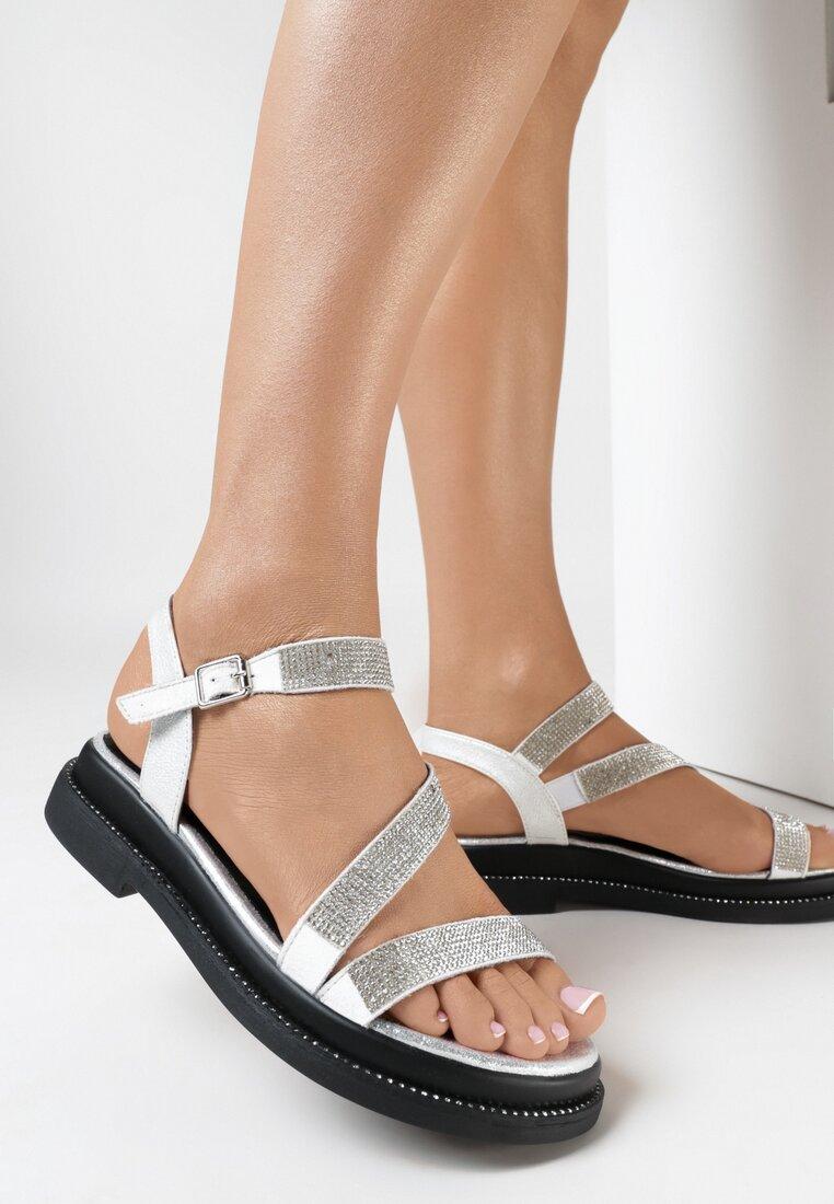 Białe Sandały Kaineh
