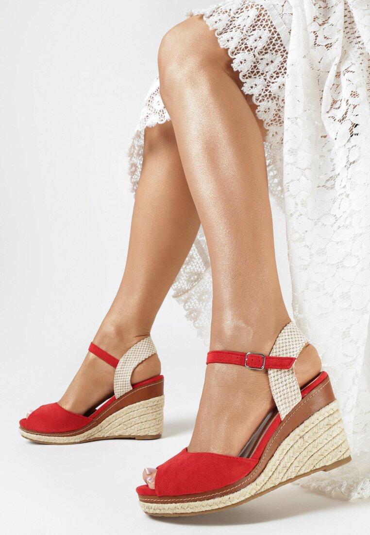 Czerwone Sandały Bormeni