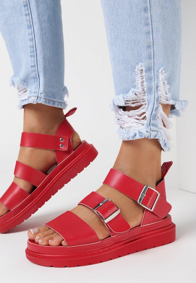 Czerwone Sandały Piremis