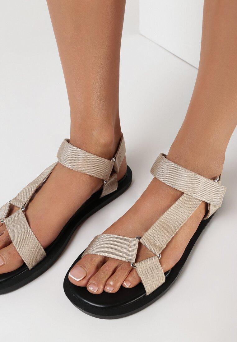Beżowe Sandały Pasyxio