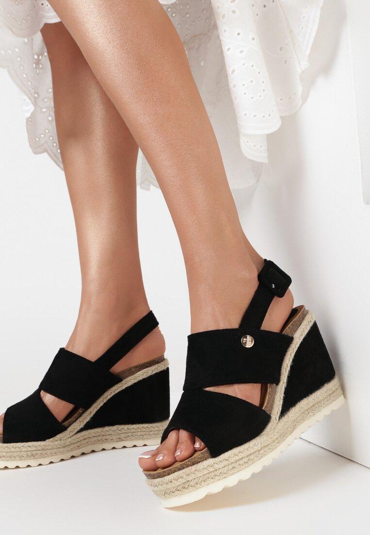 Czarne Sandały Mathypso
