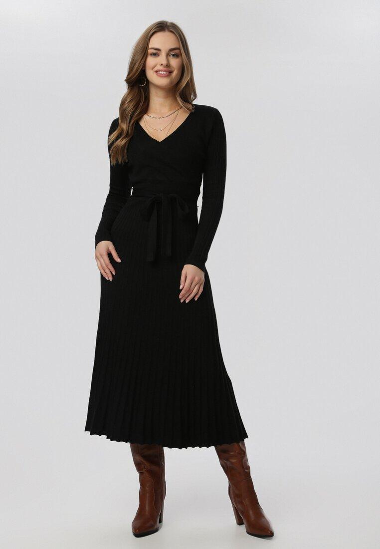 Czarna Sukienka Dzianinowa Allurith