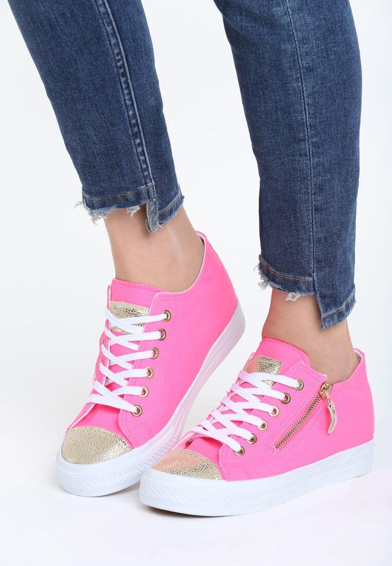 Różowe Sneakersy Last Minute