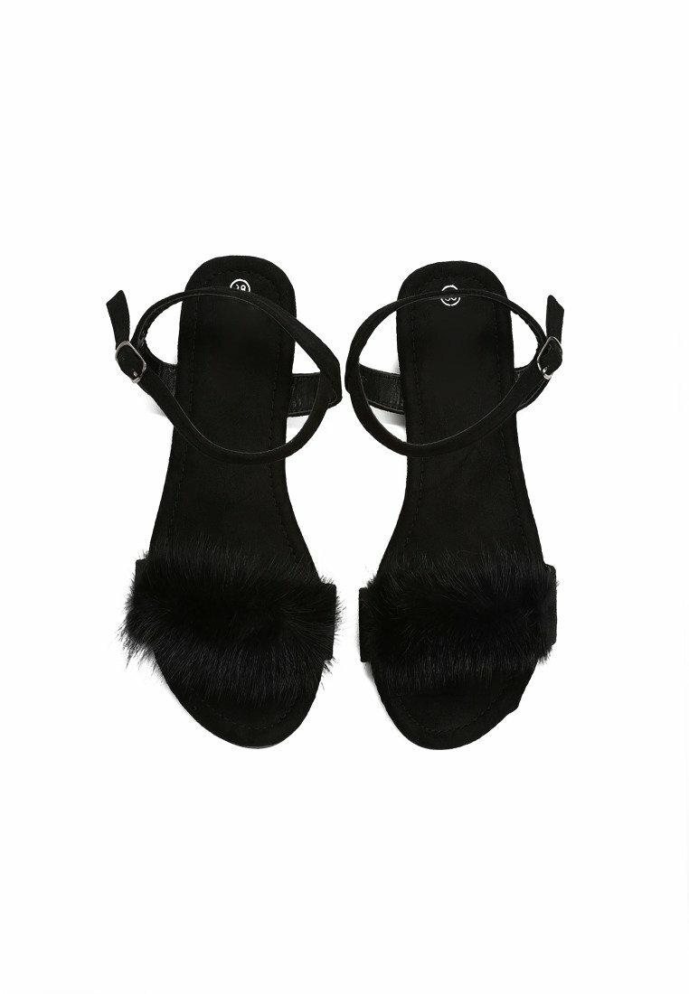 Czarne Sandały Puffy