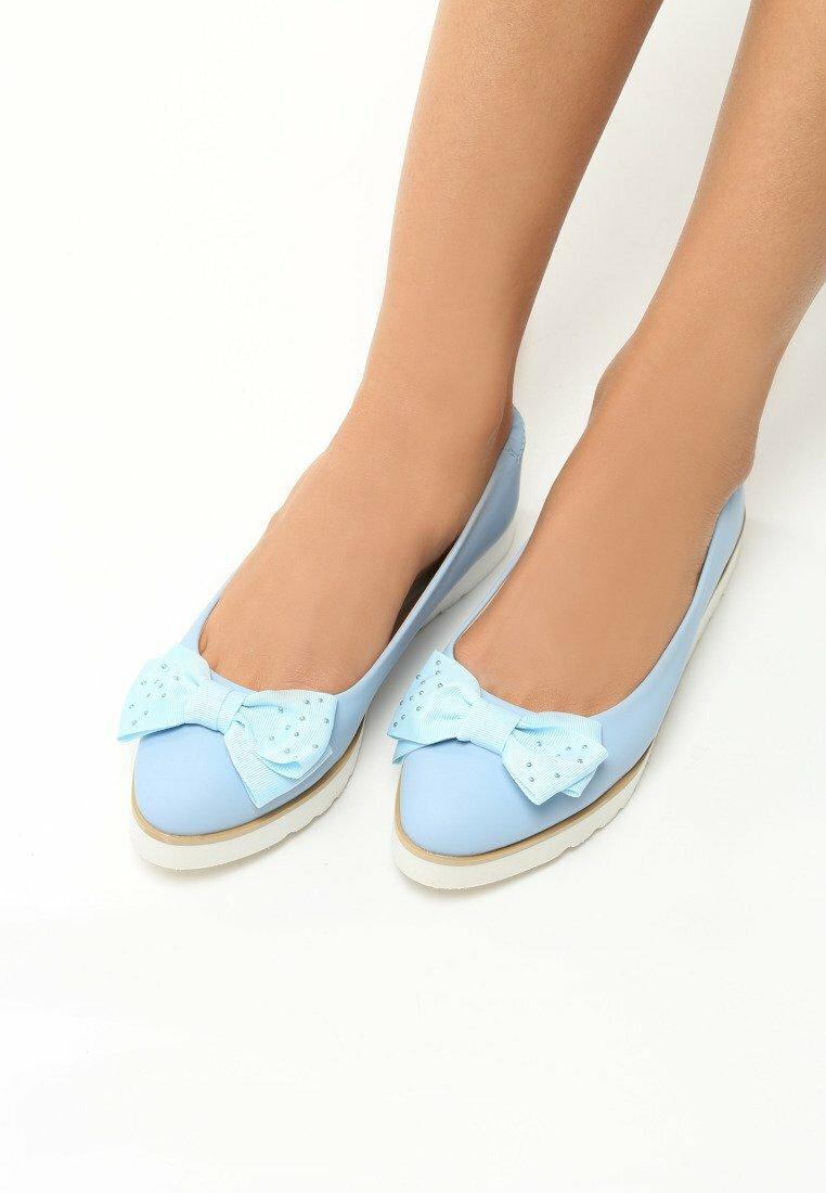 Niebieskie Baleriny Falina
