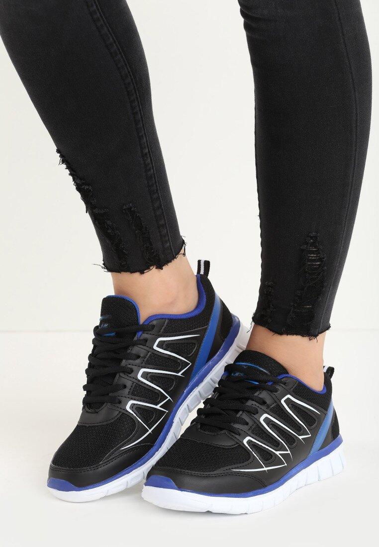 Czarne Buty Sportowe Triple A