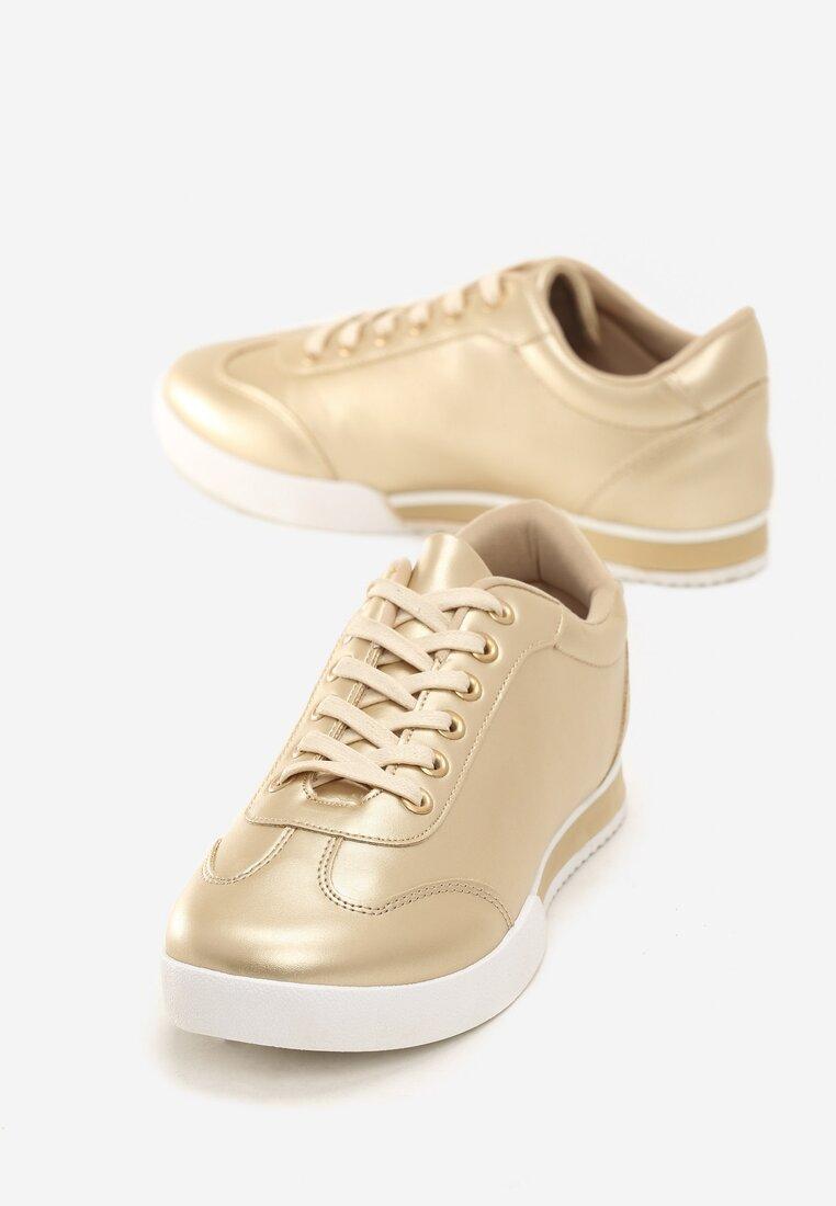 Złote Buty Sportowe Seems to Change