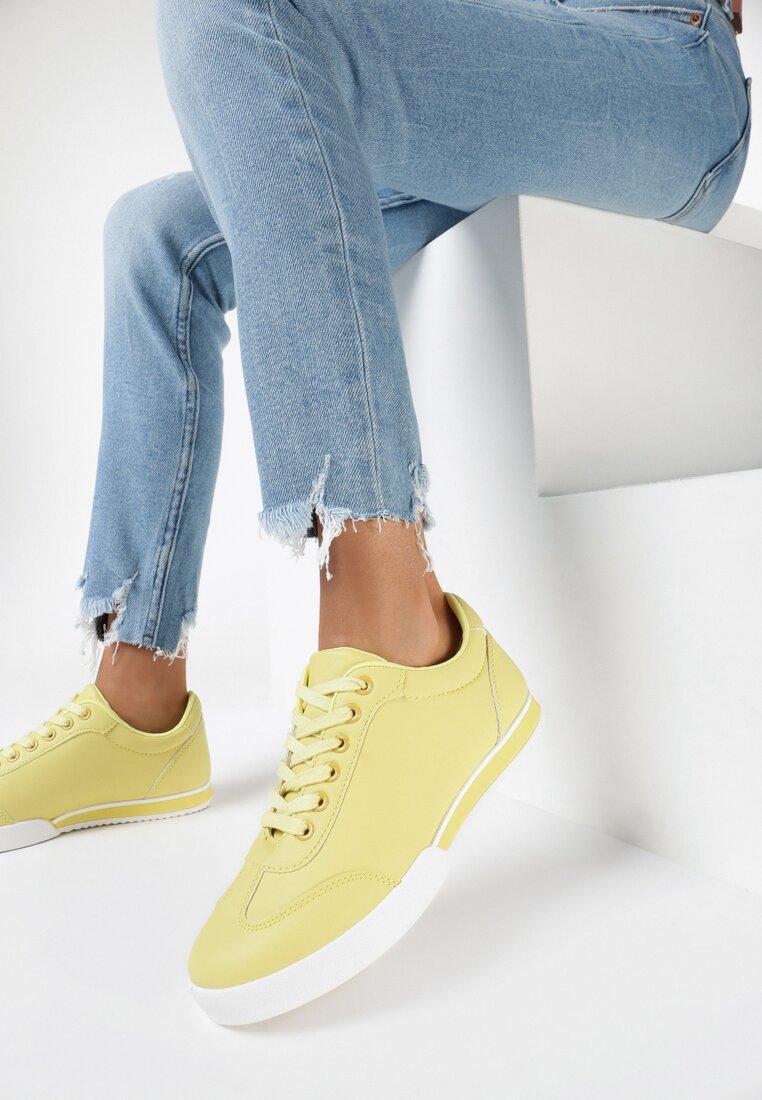 Żółte Buty Sportowe Seems to Change