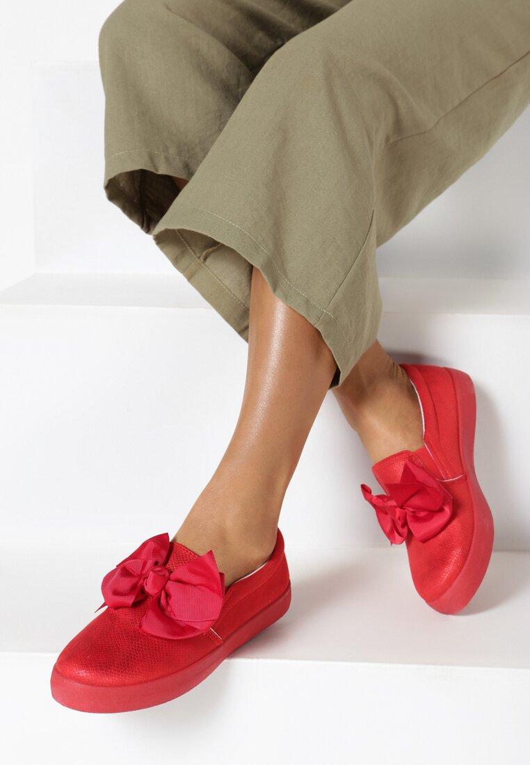 Czerwone Slip On Rough Out