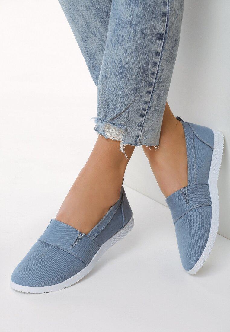 Niebieskie Slip On In The World