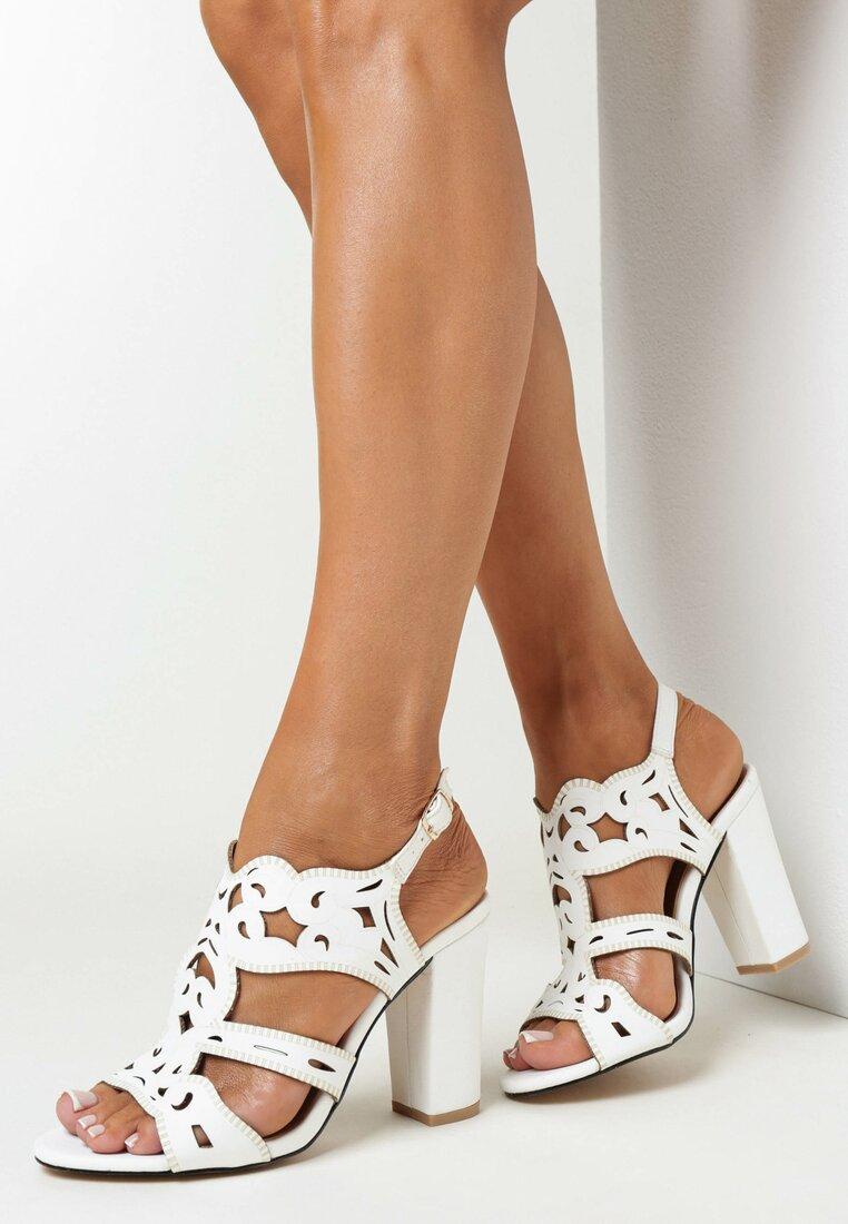 Białe Sandały Delalise